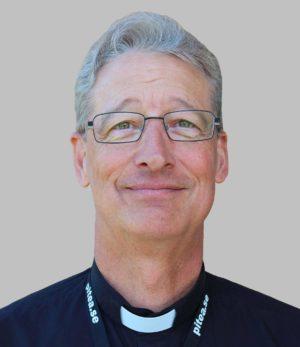 Eric F Voelz